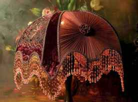 40 vintage victorian lamp shades ideas for decorating bedroom diy (32)