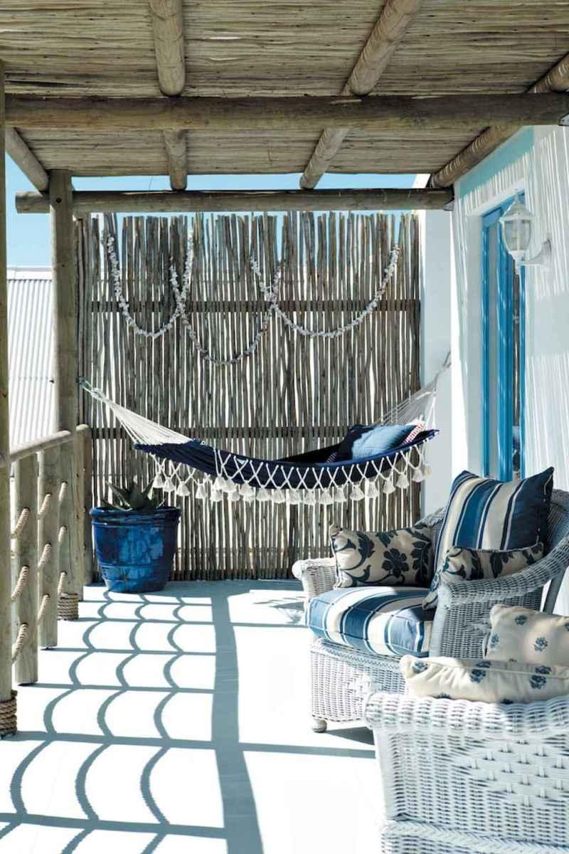 44 cozy coastal themed living room decor ideas that makes your home feels like beach (3)