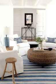 44 cozy coastal themed living room decor ideas that makes your home feels like beach (37)