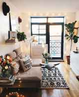 44 modern bohemian living room ideas for small apartment (42)