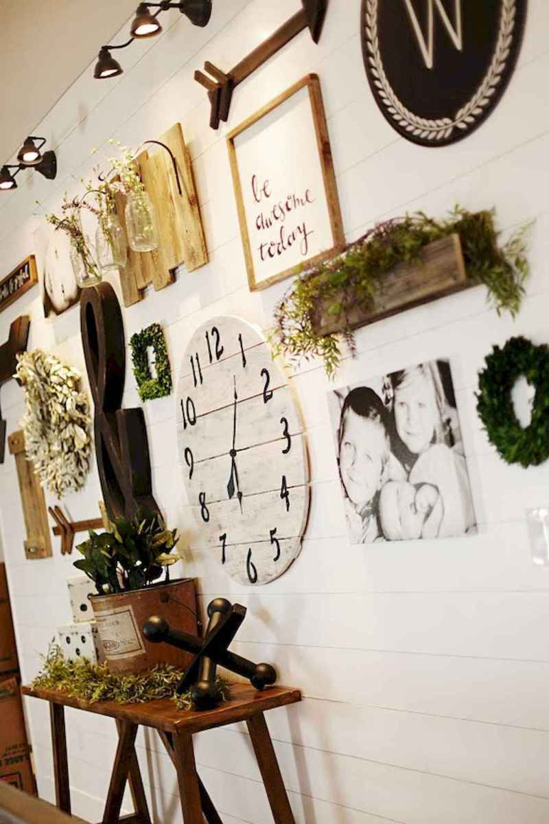 50 beautiful gallery wall ideas to show your photos (44)