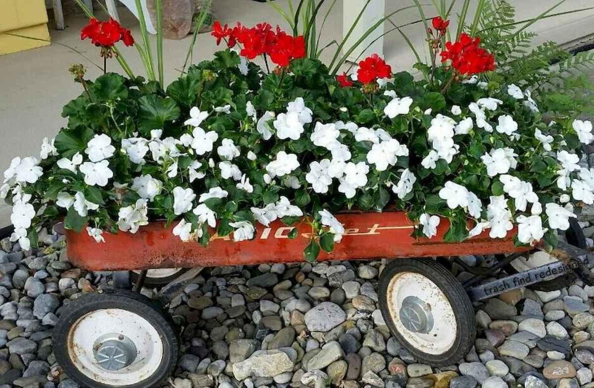 Adorable diy container herb garden design ideas (29)
