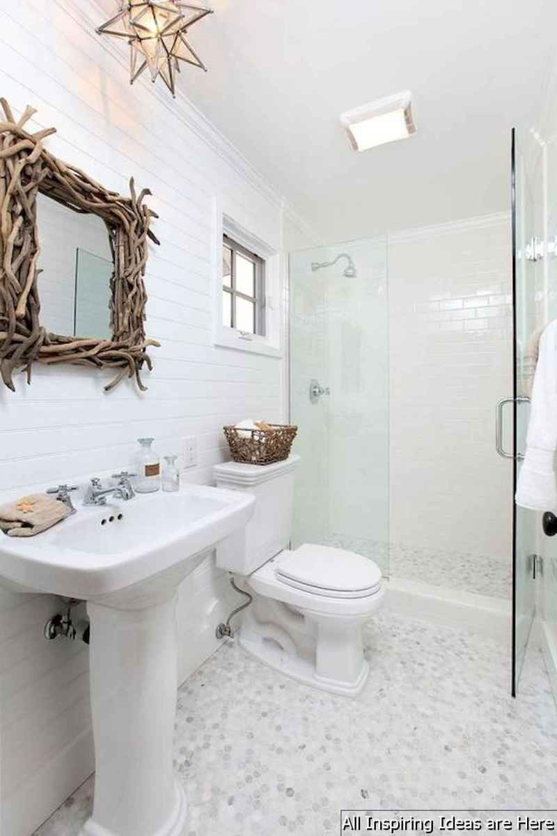 Minimalist modern farmhouse small bathroom decor ideas 19