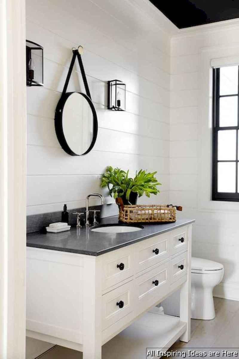 Minimalist modern farmhouse small bathroom decor ideas 2