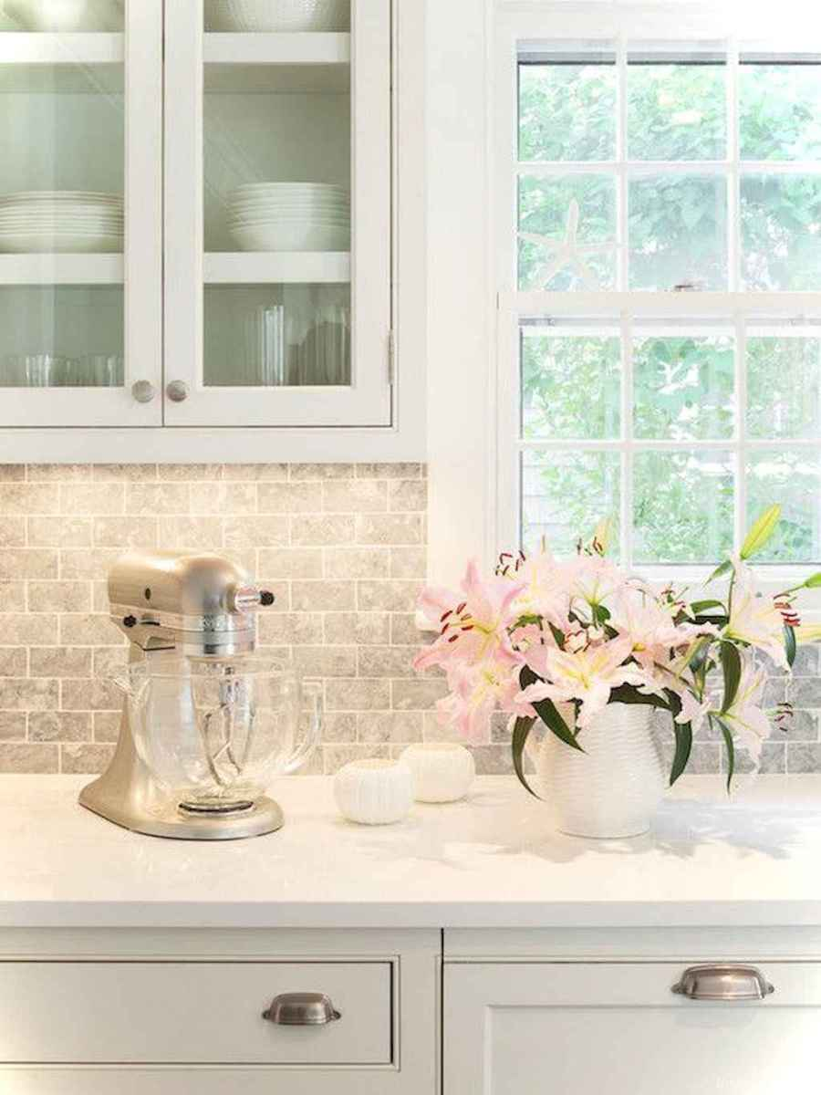 Amazing cottage kitchen cabinets ideas038