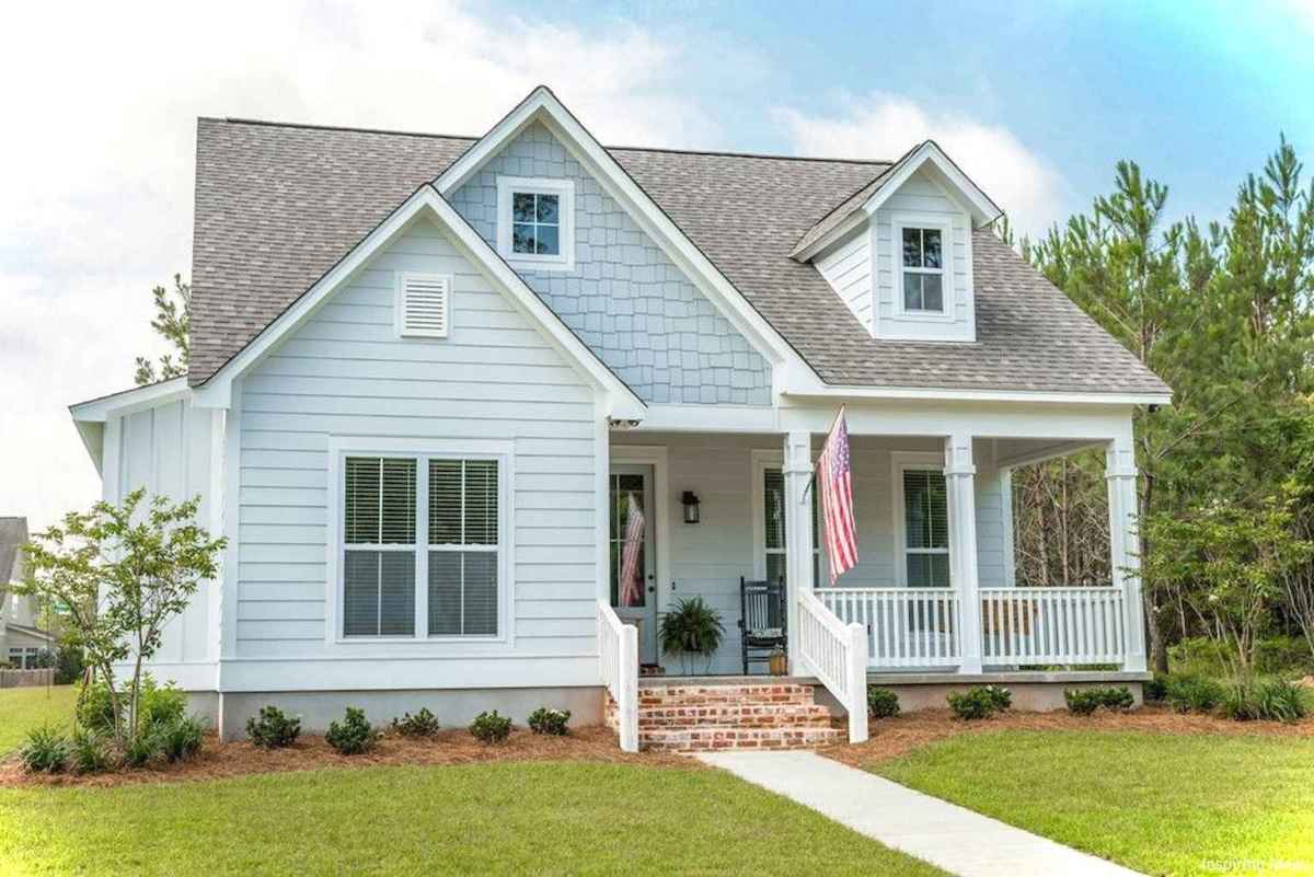 Charming 11 small cottage house exterior ideas