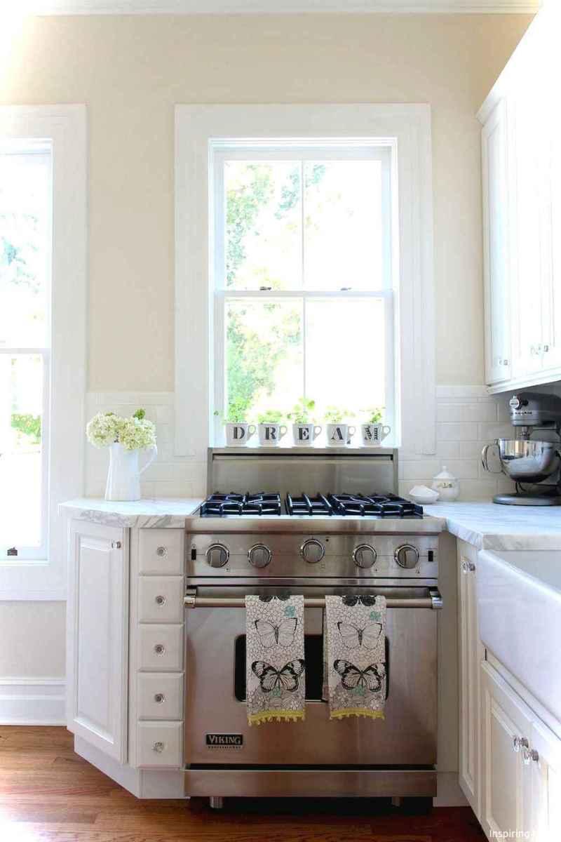Genius small cottage kitchen design ideas033