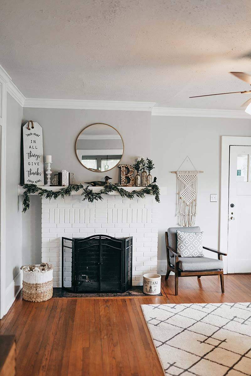 Room Decoration Ideas - white fireplace