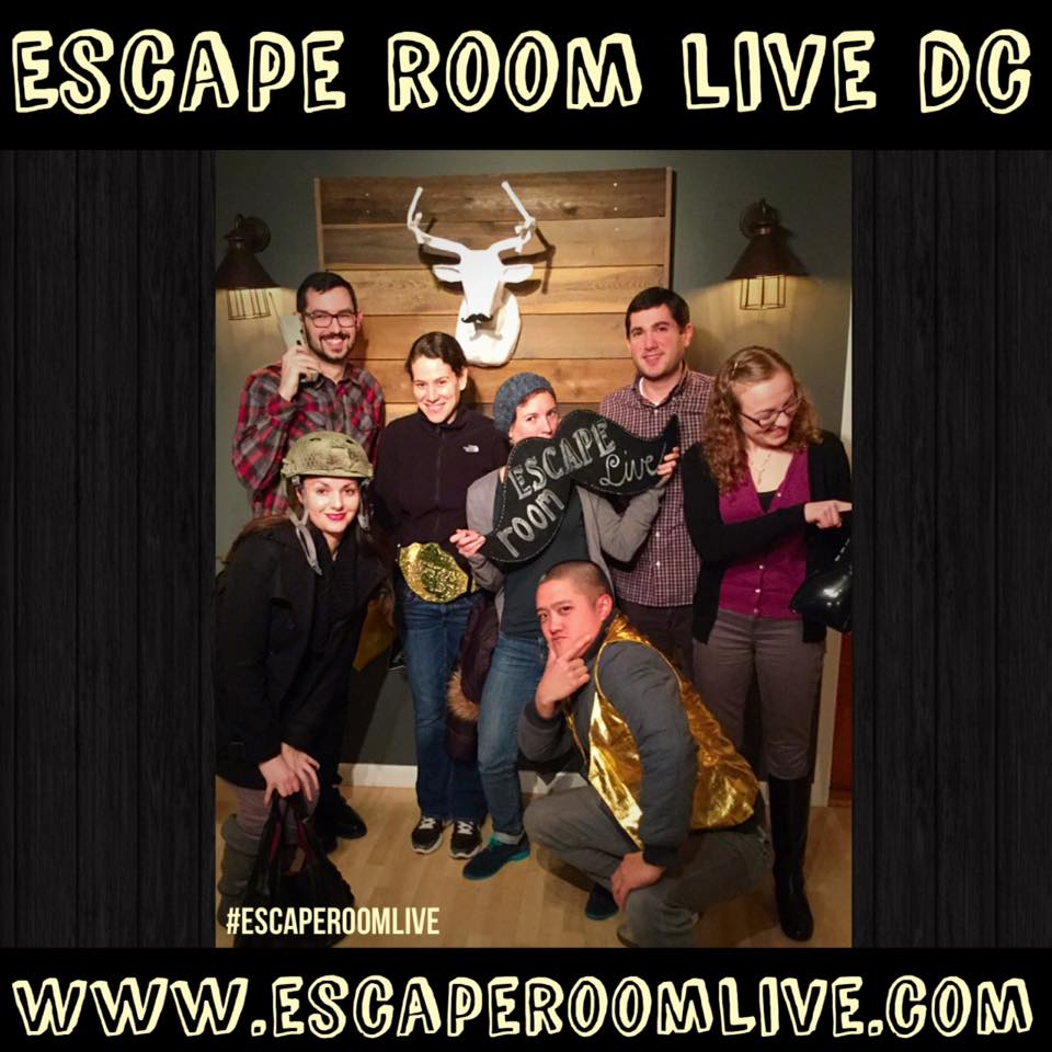 Escape Room Live DC - Back to the 80's! Team Shot