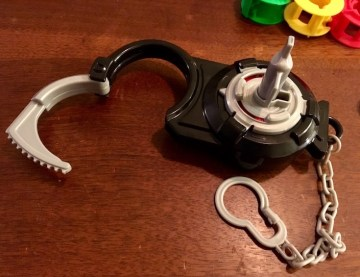 Break Free handcuff picked open, the shackle is wide open.