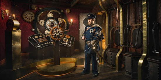 Claustrophobia game promo: a captain aboard a steampunk airship