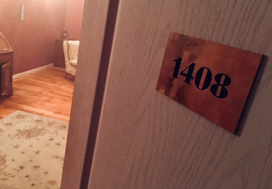 In-game: The cracked door to room 1408