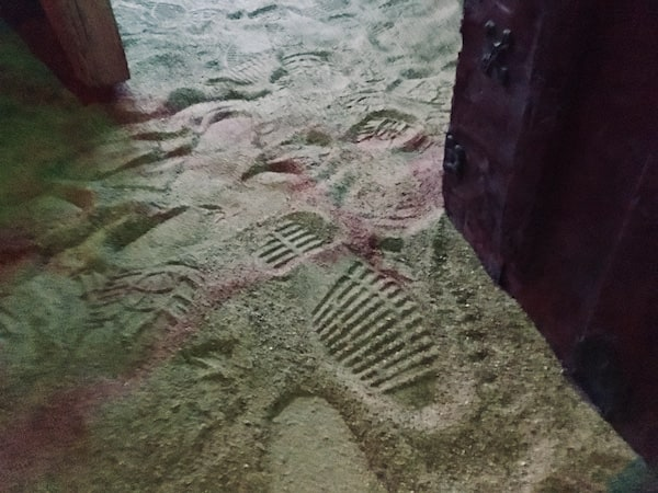 In-game: Footprints in the sand.