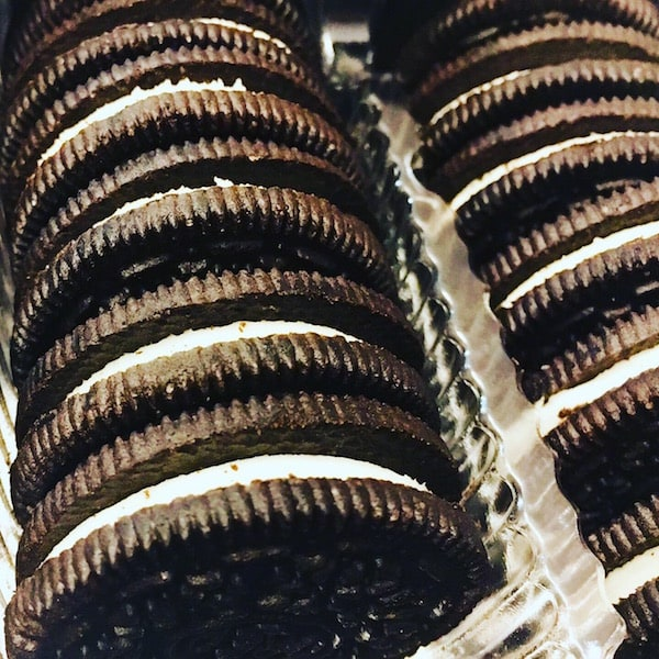 Closeup of lines of oreos in the packaging.