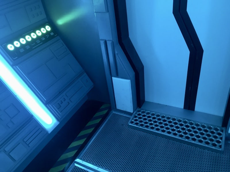 In-game: A sealed doorway in a futuristic spaceship.