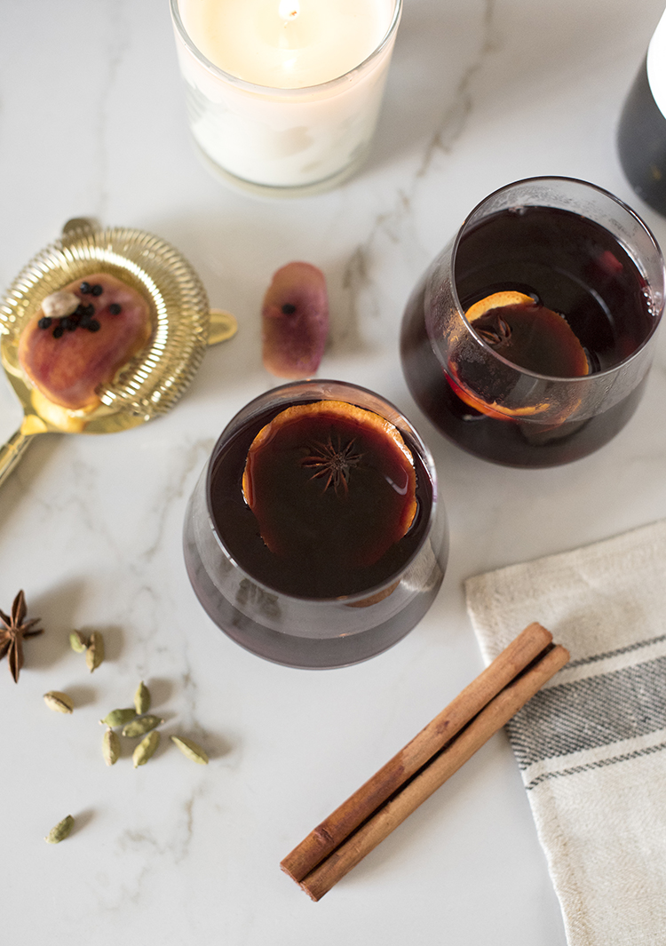 fall-cocktail-spiced-mulled-wine