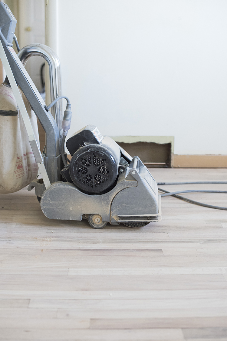 sanding-and-refinishing-hardwood-floors