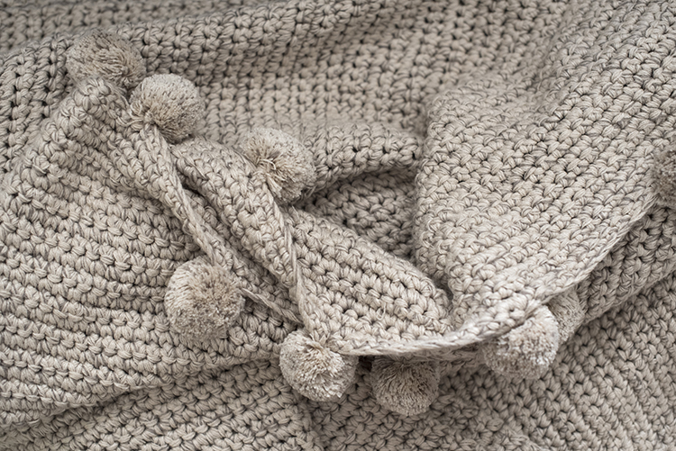 the-coziest-throws-for-fall