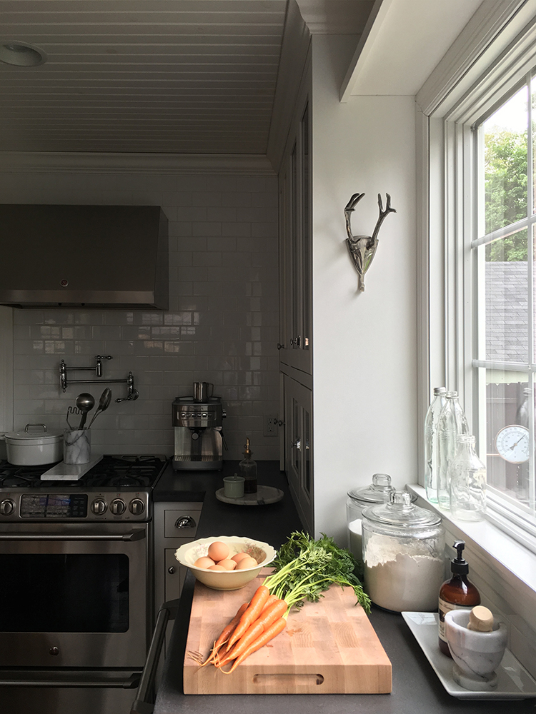 french-kitchen-countertop