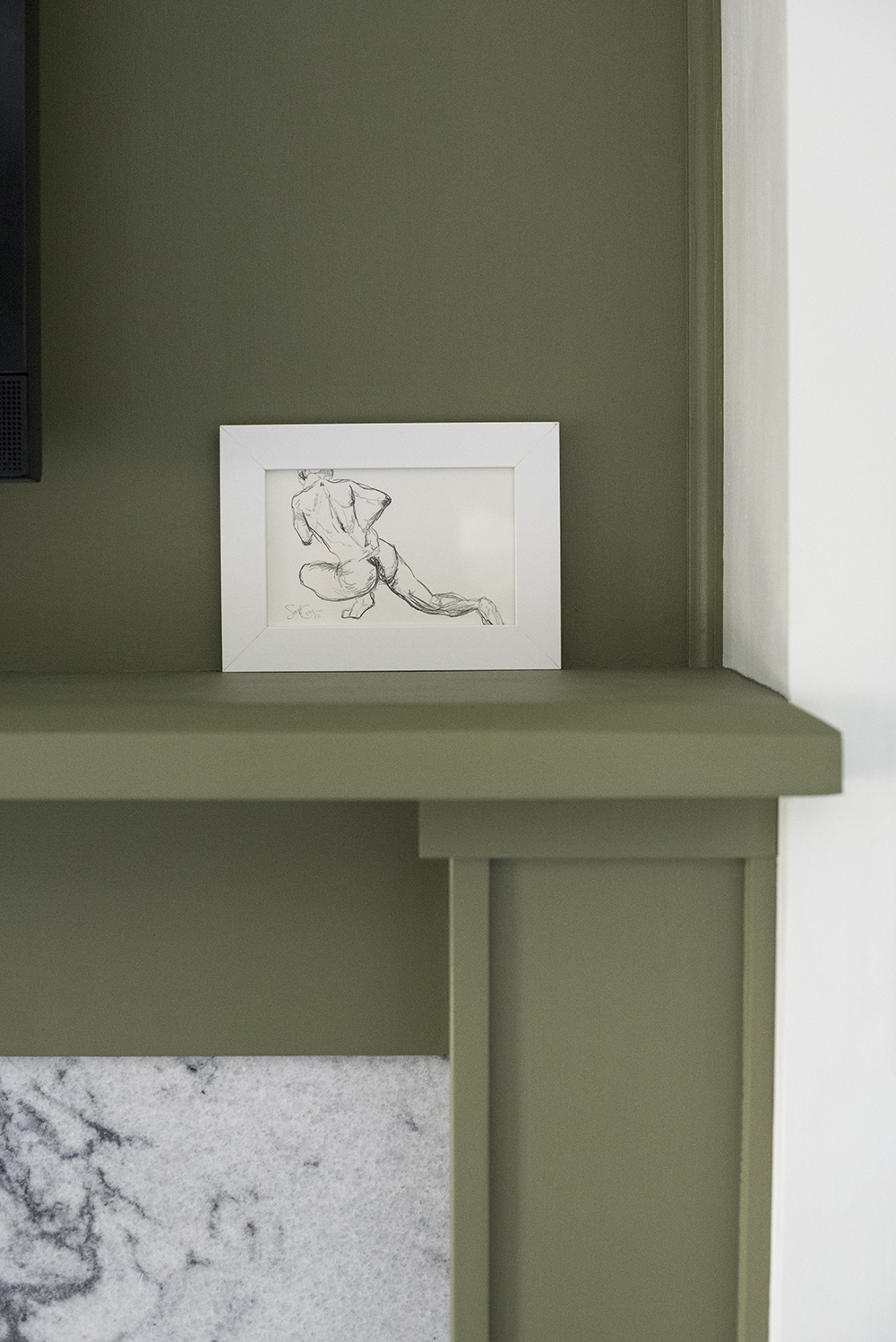Figure Drawing on Mantle