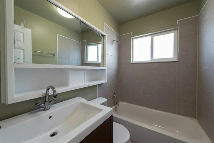 BEFORE-tiny-bathroom