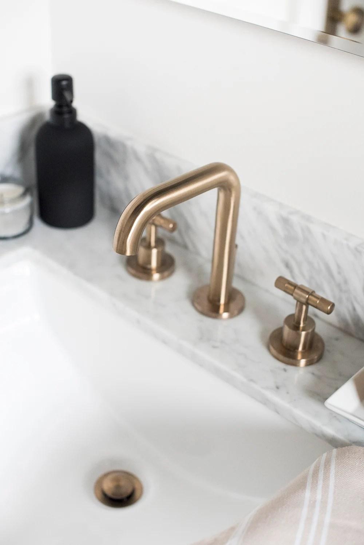 Bathroom - roomfortuesday.com