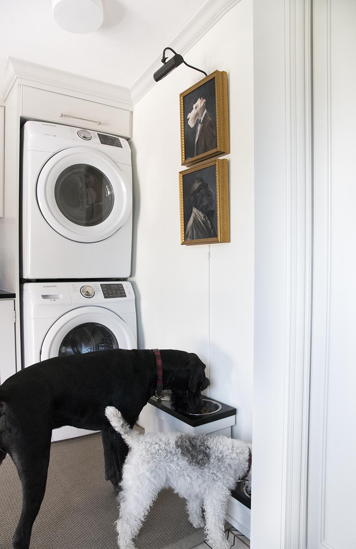 DIY Pedestal Dog Feeders - roomfortuesday.com