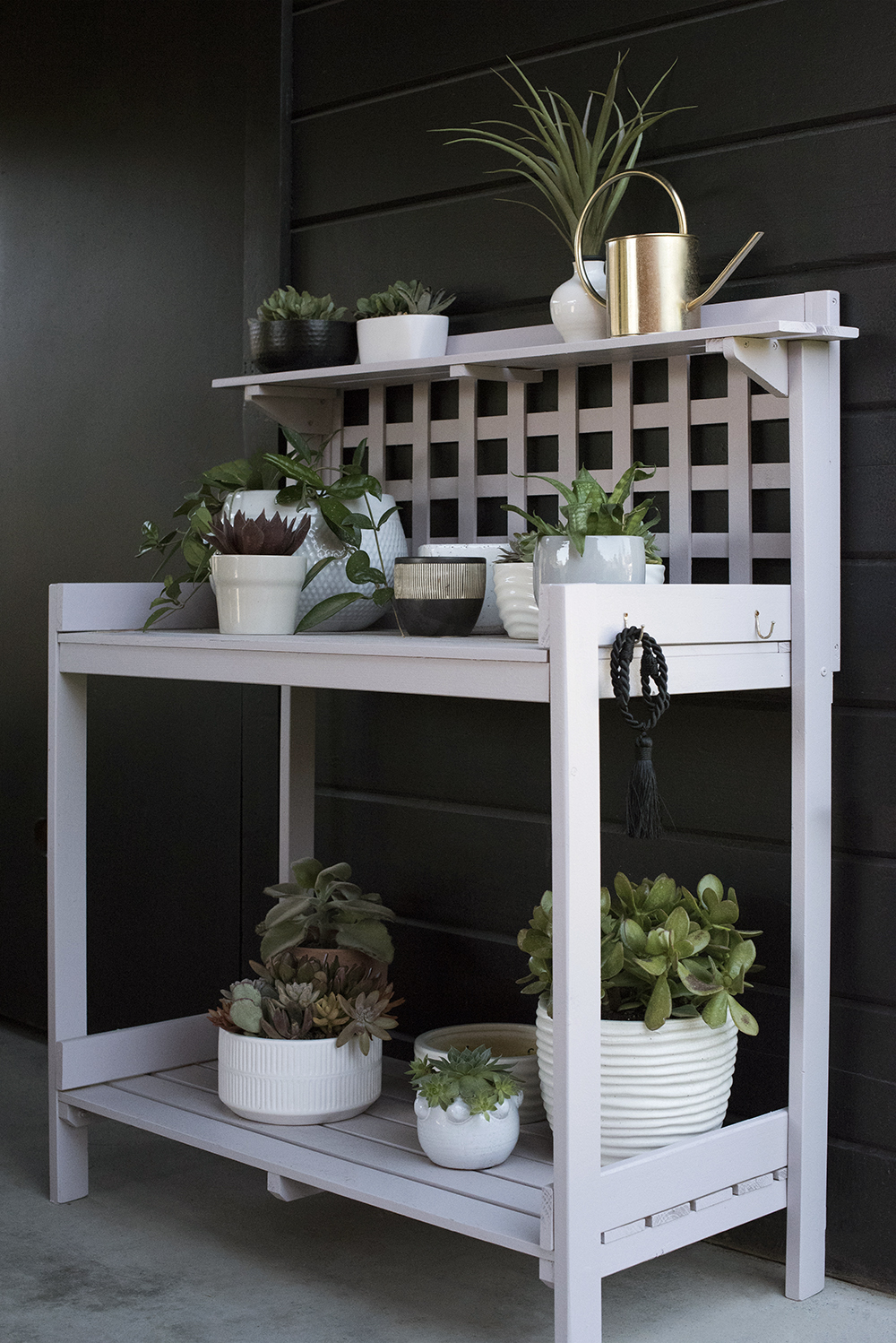 Color of the Month : Planting Station DIY - roomfortuesday.com