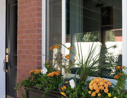Fall Window Flower Box - roomfortuesday.com