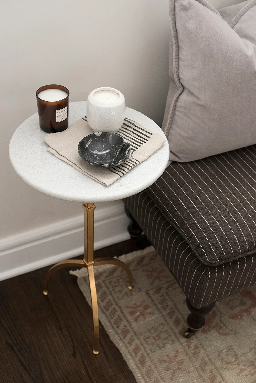 Roundup : Drink Tables & Tiny Accent Tables - roomfortuesday.com
