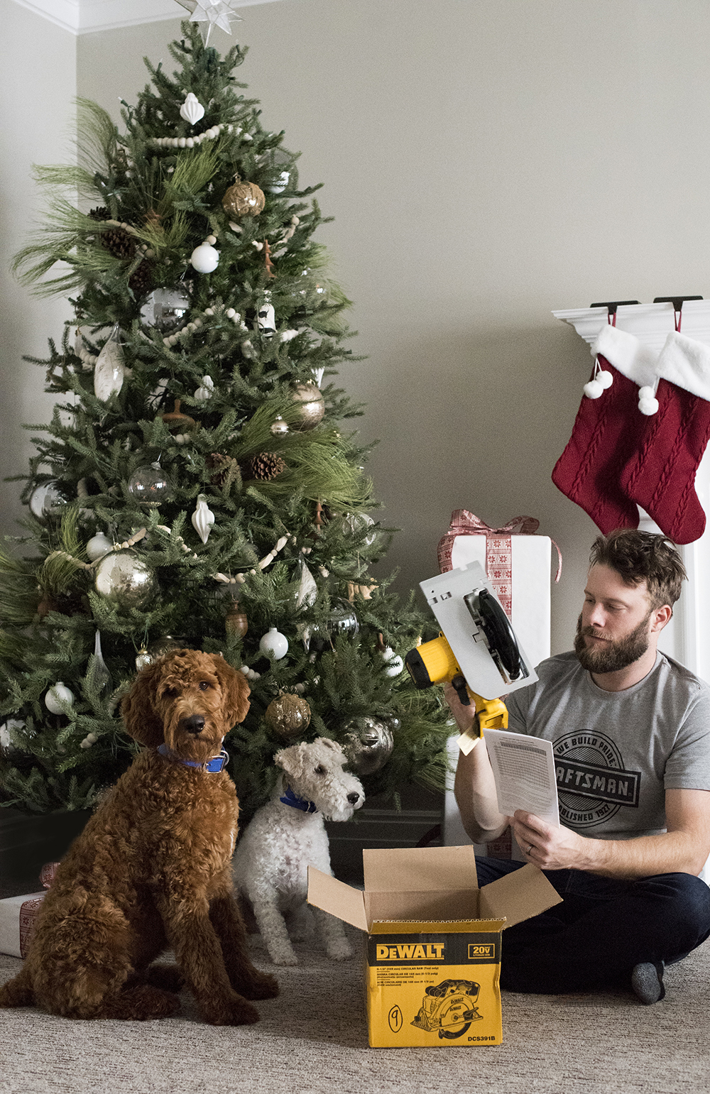 Gifts for DIY Enthusiasts & New Homeowners - roomfortuesday.com
