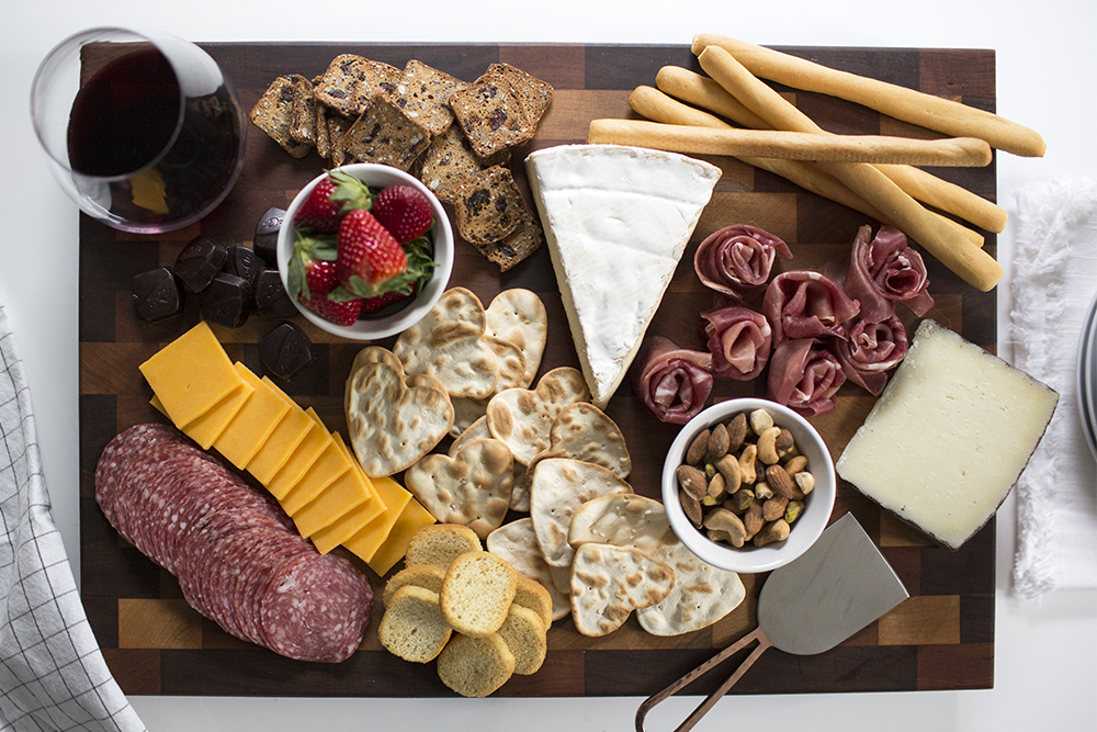 valentines day charcuterie board