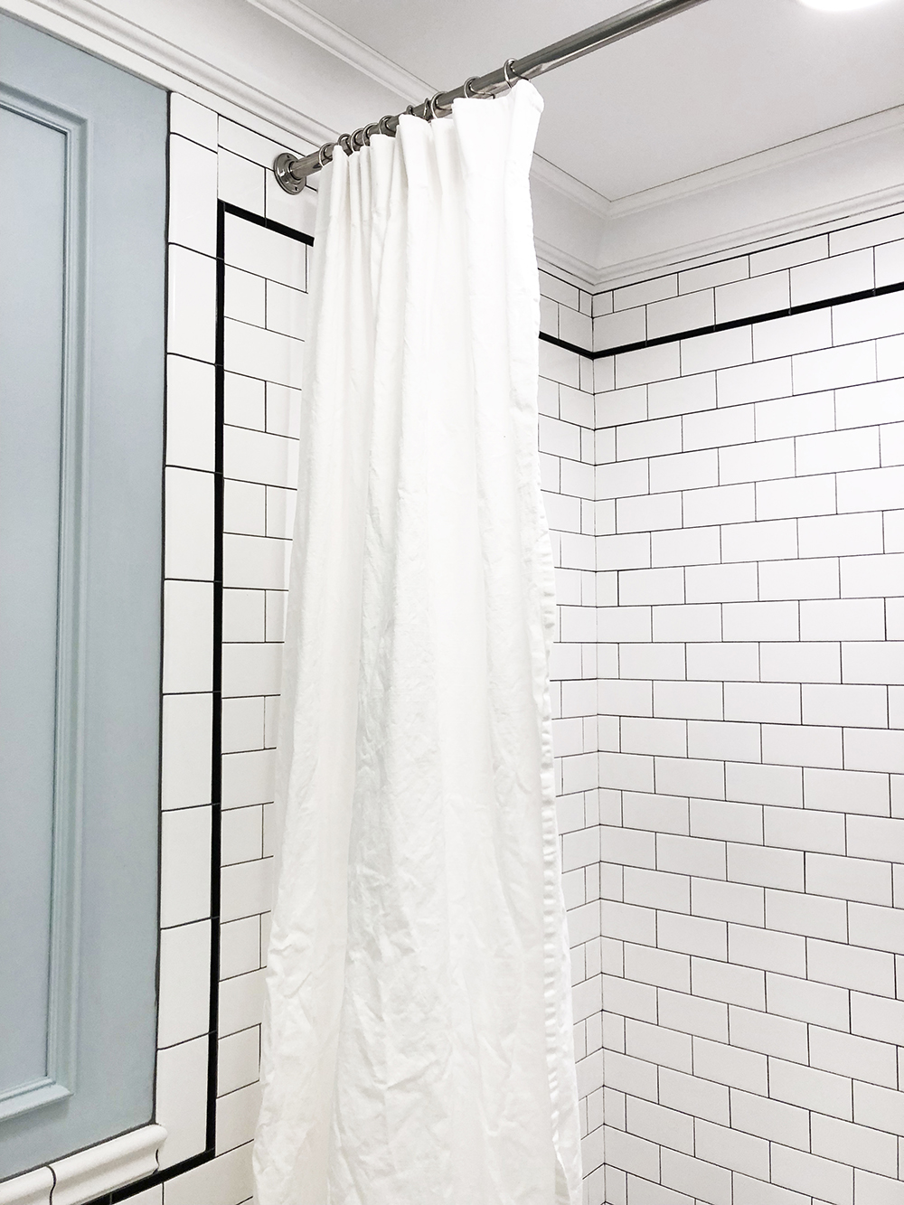 للتعديل اتجاه ثلاثي long shower curtain