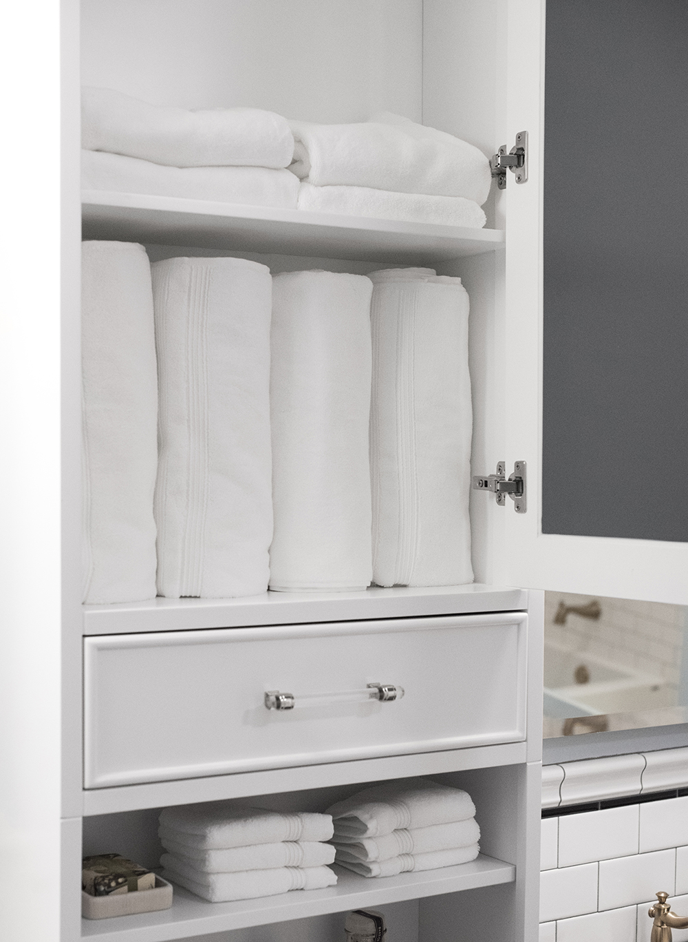 Stocking a Guest Bath for Visitors - roomfortuesday.com