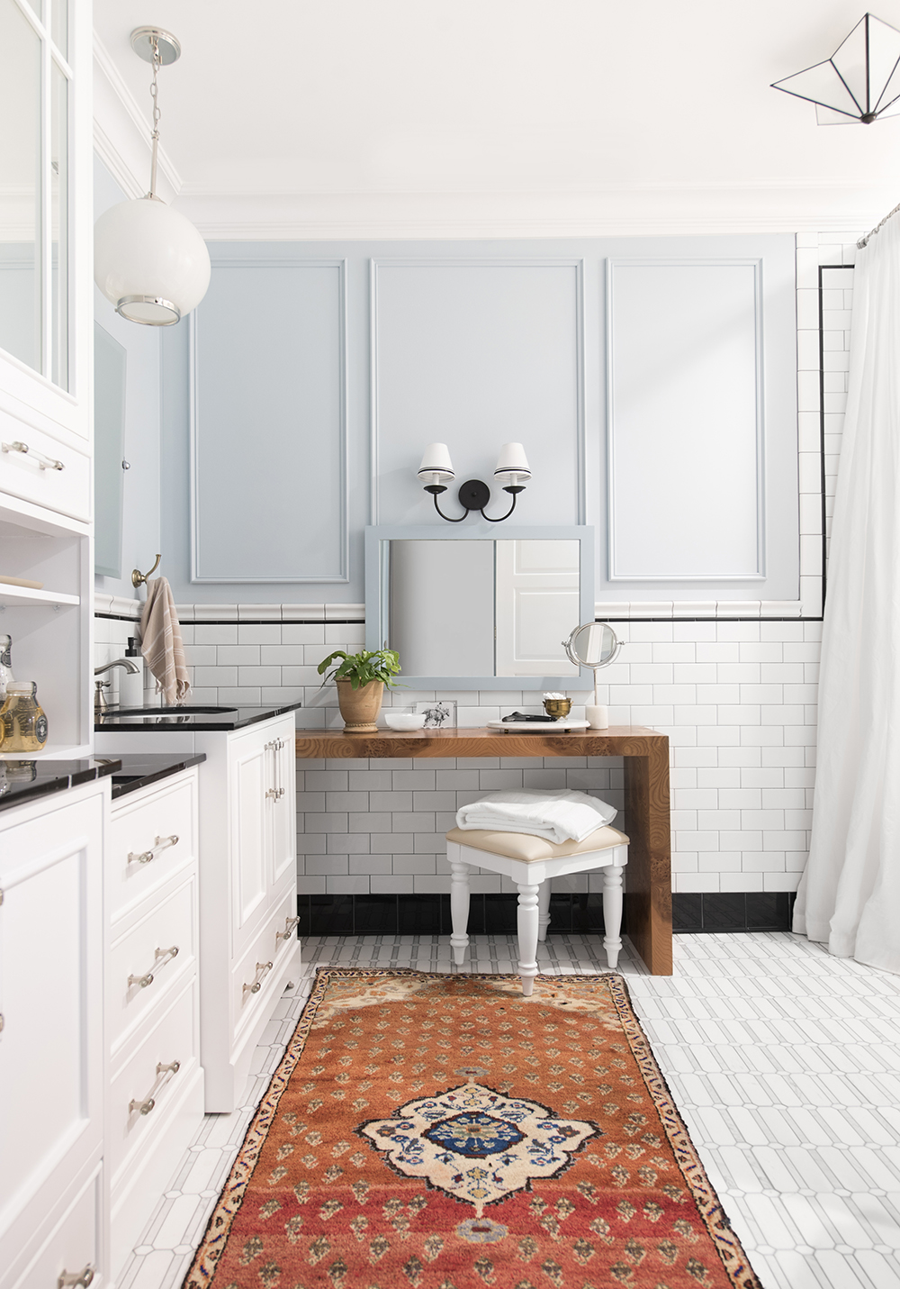 Choosing a Rug for the Bathroom (+ A Vintage Rug Giveaway) - roomfortuesday.com