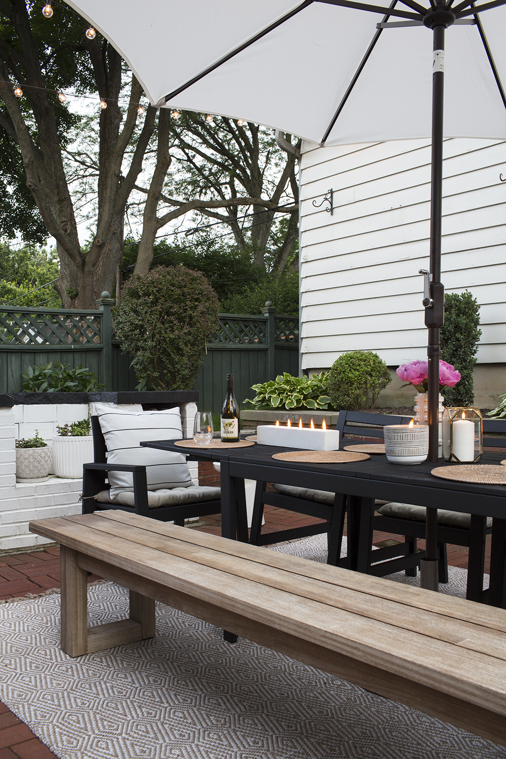 Jacqueline's Patio Refresh - roomfortuesday.com