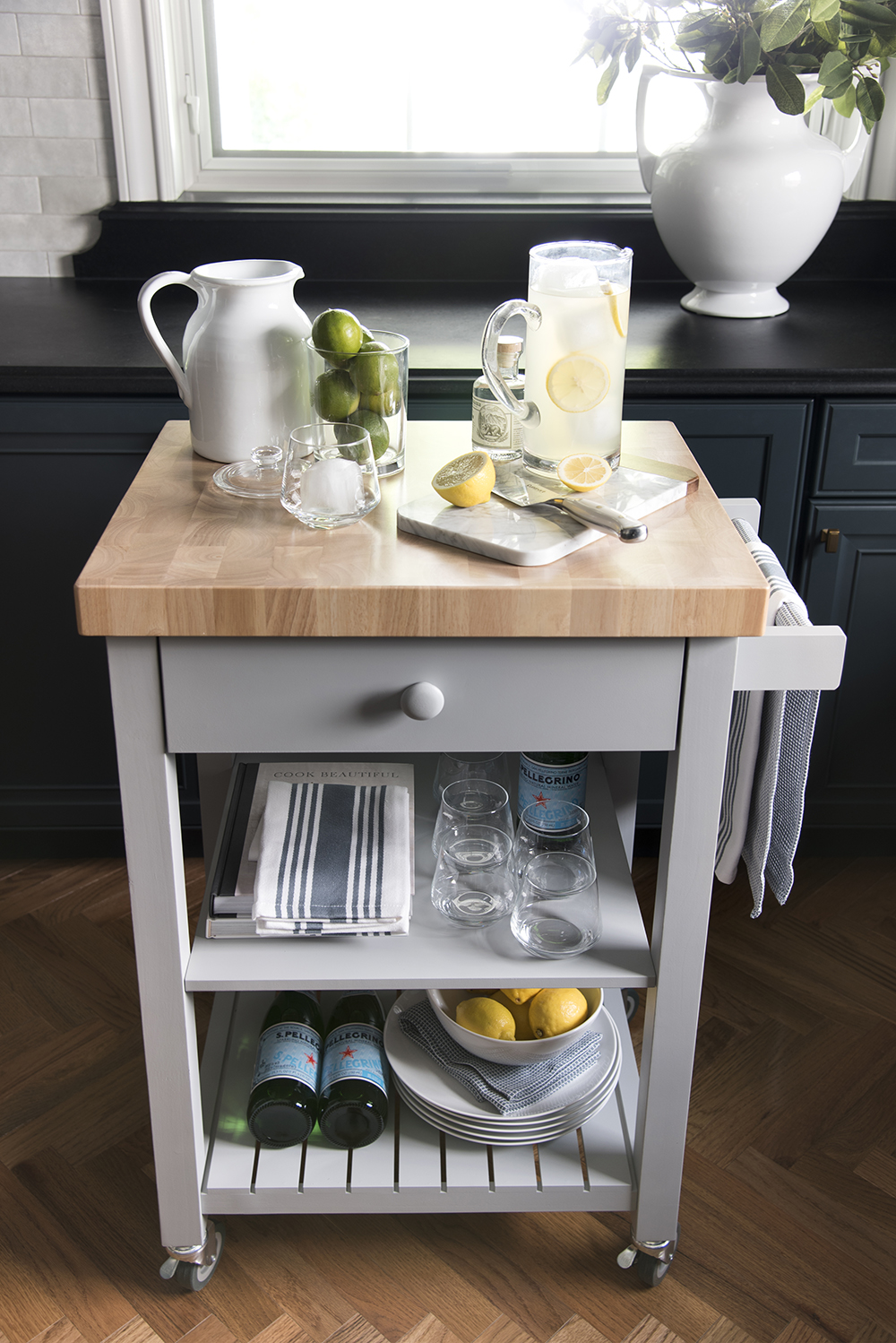 My New Kitchen Cart & Weekend Entertaining - roomfortuesday.com