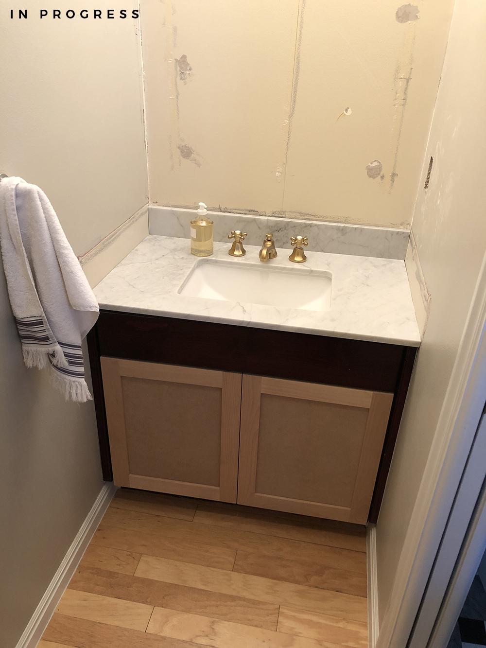 Powder Bath Makeover Design Plan - roomfortuesday.com