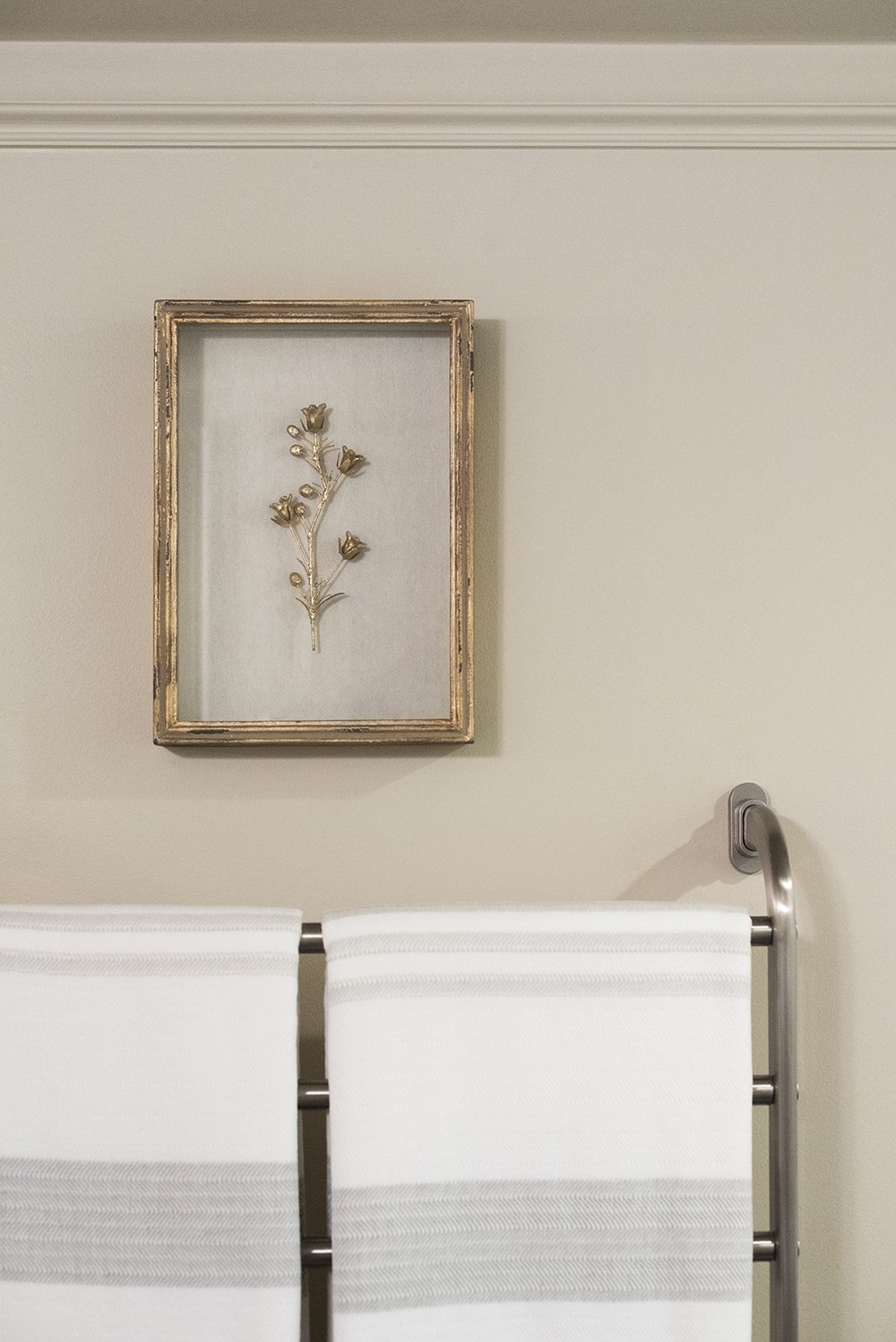 Tips for Making a Cold Bathroom Feel Cozy - roomfortuesday.com