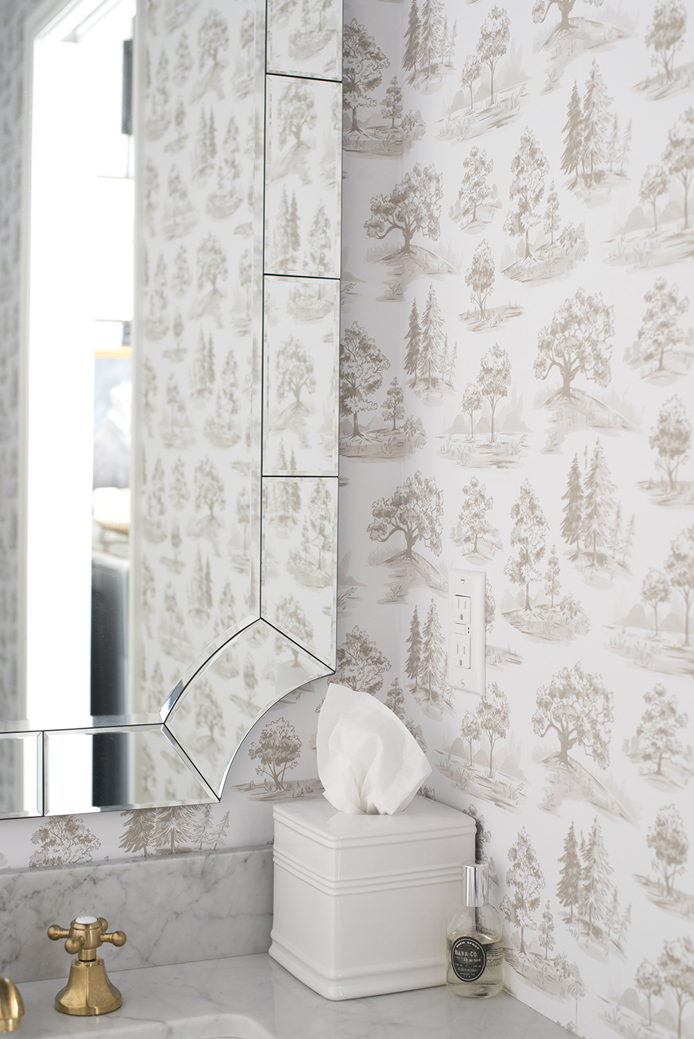 How to Navigate Wallpaper Shopping - roomfortuesday.com