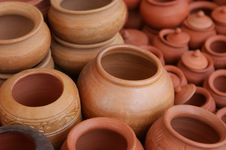 room cooler with inverted earthen pots