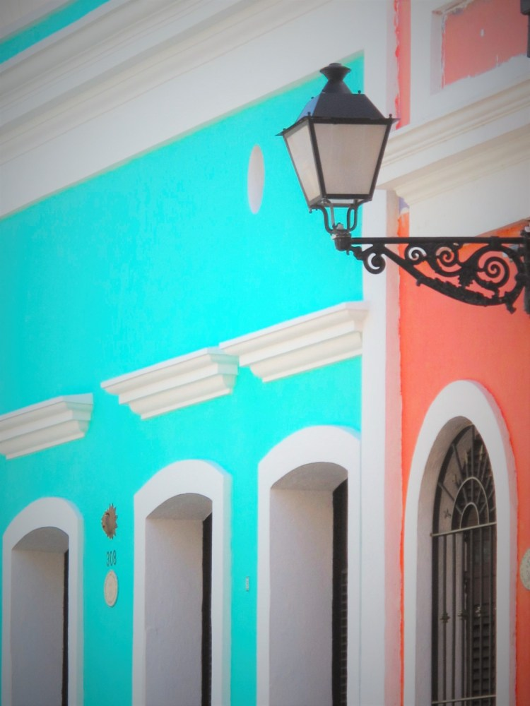 summer vacations home with cool colors