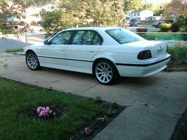 The Flagship. 1997 BMW 740iL (3/3)