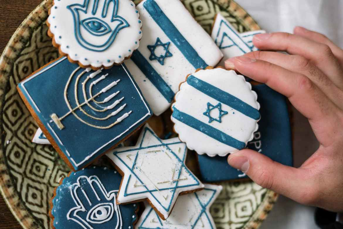 The Roosevelt Island Jewish Congregation Celebrates Purim