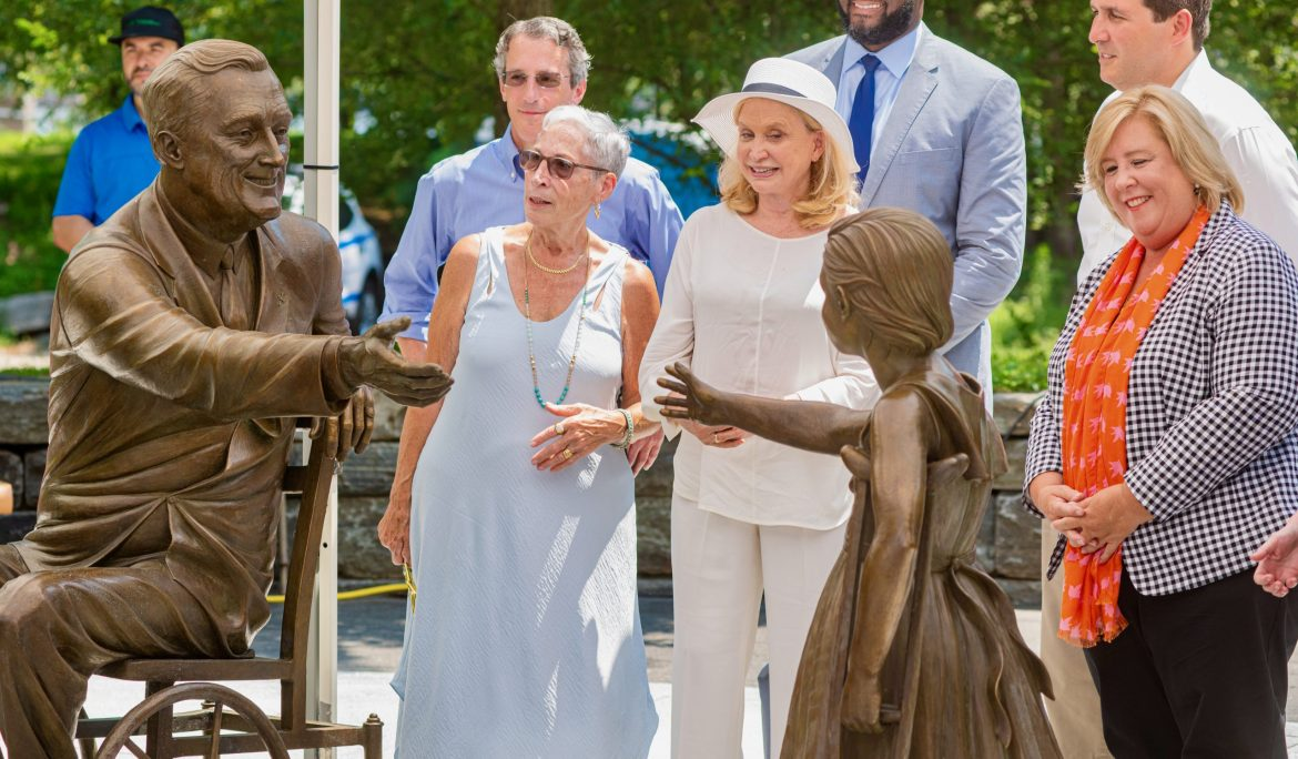 """Wendy Hersh cuts ribbon at FDR Hope Memorial. RIDA cited for """"dedication and service"""""""