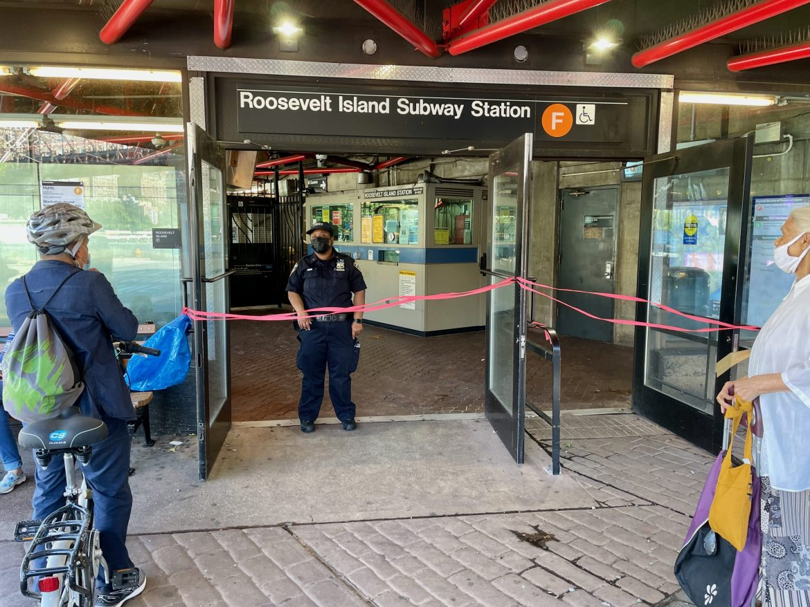 Why RIOC PSD Blocked the Subway Even After It Opened