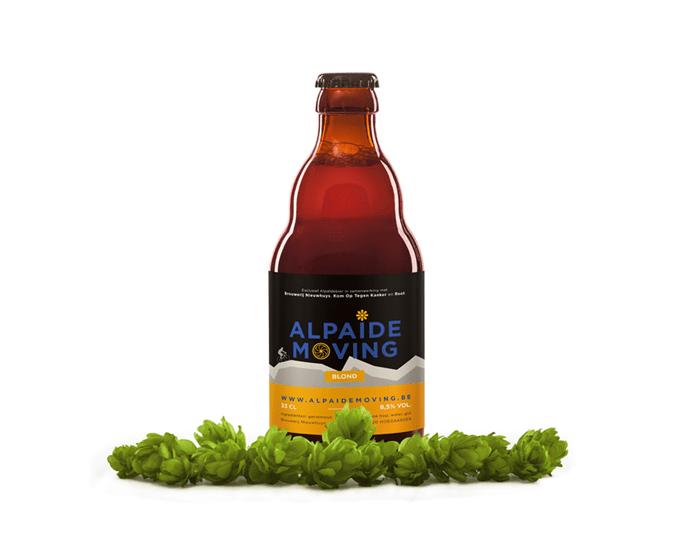 Alpaide-moving-Mockup2-flesje-bier-met-hop Alpaïde Moving