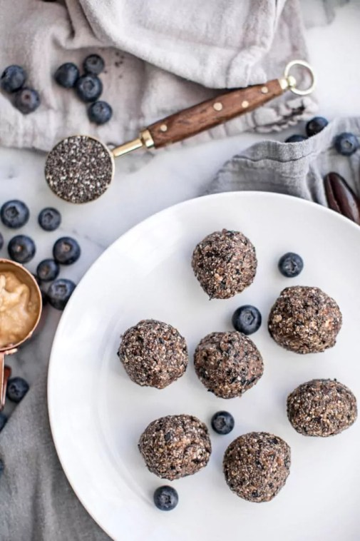 These no bake blueberry energy balls are made with just five healthy ingredients and are packed with nutrition to boost your energy and improve your health.