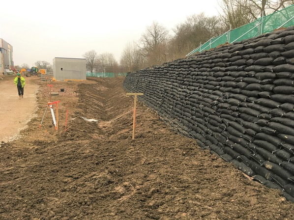 Completed Rootlok Wall, Kings Business Park