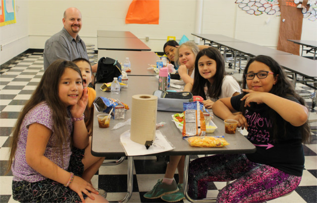 Lunch with the kids on the last day of school!